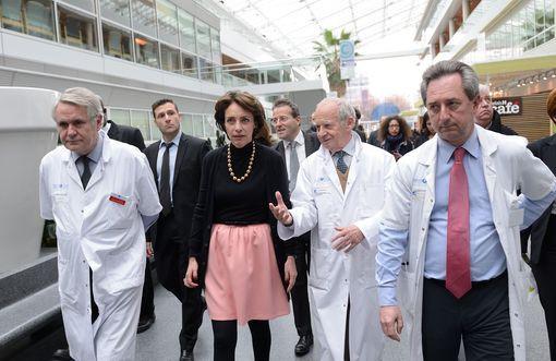 L'équipe de chirurgie Cardio-Vasculaire de l'hôpital Georges Pompidou dirigée par le Professeur Fabiani